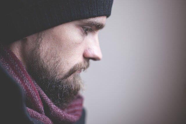 ミノキシジルを止めたら体毛や髭は薄くなる?